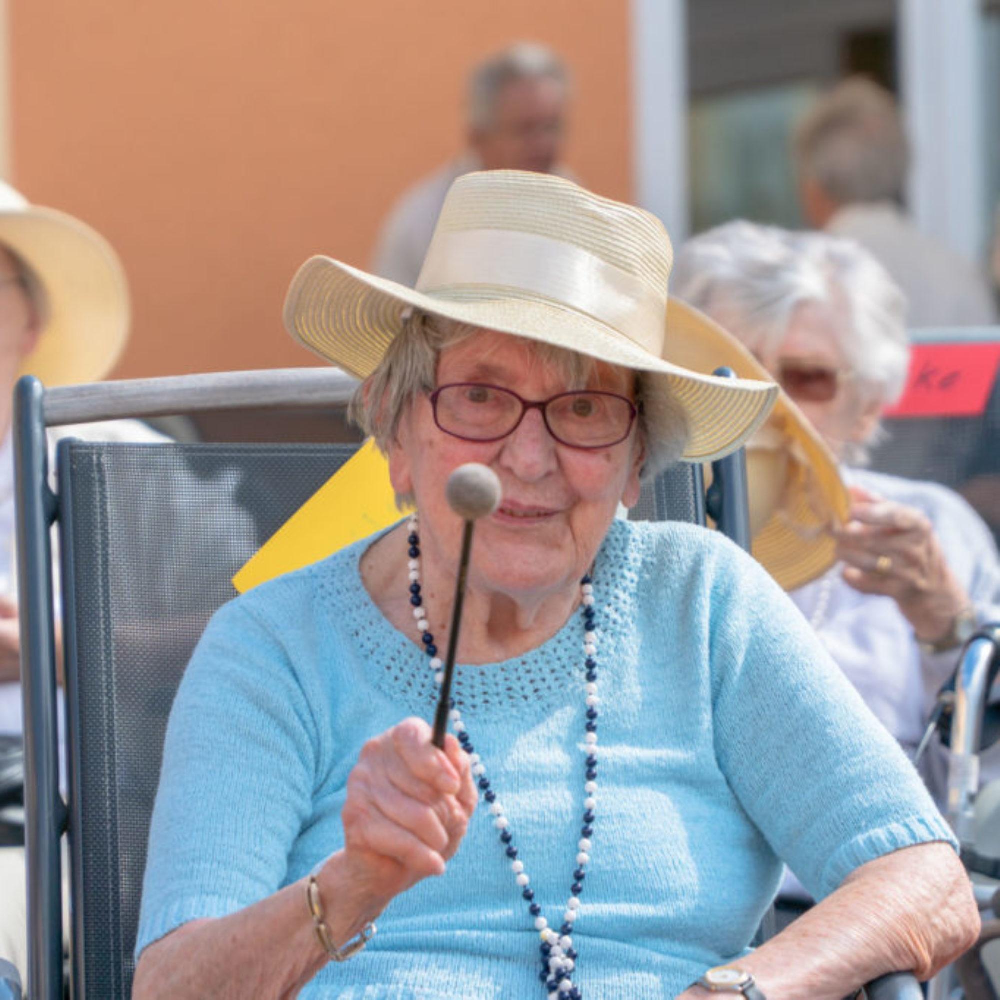Wir Sind Altenpflege Seniorendomizil Riepenblick Sommerfest Drum Circle11. August 2018 ARMAMDO VERANO-15